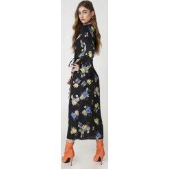Gestuz Sukienka maxi Aia - Black. Czarne sukienki Gestuz, z tkaniny, z długim rękawem, maxi. W wyprzedaży za 356,38 zł.
