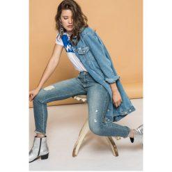 Wrangler - Jeansy All She Wants. Niebieskie jeansy damskie rurki Wrangler, z bawełny. W wyprzedaży za 269,90 zł.