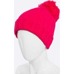 Answear - Czapka Blossom Mood. Czerwone czapki zimowe damskie marki ANSWEAR, na zimę, z dzianiny. W wyprzedaży za 27,90 zł.