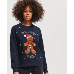 Bluza ze świątecznym motywem - Granatowy. Fioletowe bluzy damskie marki Reserved, l, z kapturem. Za 79,99 zł.
