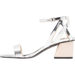 Sandały damskie: Miss Selfridge CLEVER Sandały silver
