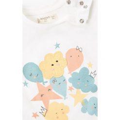 Mango Kids - Top dziecięcy Festa 62-80 cm. Szare bluzki dziewczęce bawełniane Mango Kids, z aplikacjami, z okrągłym kołnierzem, z krótkim rękawem. W wyprzedaży za 19,90 zł.