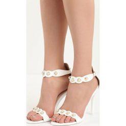 Białe Sandały Gratitude. Białe sandały damskie Born2be, w paski, na wysokim obcasie, na szpilce. Za 49,99 zł.
