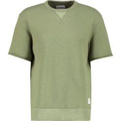 Converse Tshirt basic fatigue green. Niebieskie koszulki polo marki Tiffosi. W wyprzedaży za 134,50 zł.