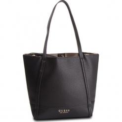 Torebka GUESS - HWVE71 76230 BLA. Czarne torebki klasyczne damskie Guess, z aplikacjami, ze skóry ekologicznej. Za 629,00 zł.