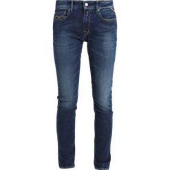 Replay LUZ PANTS Jeans Skinny Fit dark blue denim. Niebieskie rurki damskie marki Replay. Za 559,00 zł.