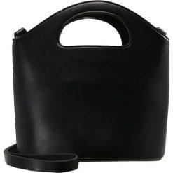 Torebki klasyczne damskie: Topshop CHERIE CUTOUT HANDLE BUCKET BAG Torebka black