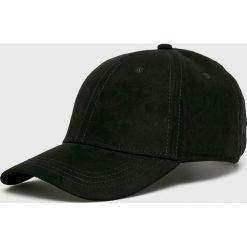 Jack & Jones - Czapka. Czarne czapki z daszkiem męskie marki Jack & Jones, l, z bawełny, z klasycznym kołnierzykiem, z długim rękawem. Za 79,90 zł.