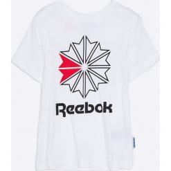 Reebok - T-shirt dziecięcy 104-164 cm. Szare t-shirty chłopięce z nadrukiem marki Reebok, z bawełny, z okrągłym kołnierzem. W wyprzedaży za 59,90 zł.