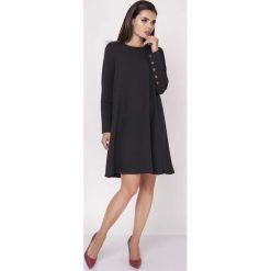 Sukienki: Czarna Wizytowa Sukienka Trapezowa z Guzikami na Rękawach