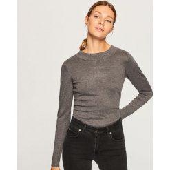 Sweter z perełkami - Szary. Szare swetry klasyczne damskie Reserved, l. Za 69,99 zł.
