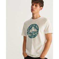 T-shirt z nadrukiem - Kremowy. Niebieskie t-shirty męskie z nadrukiem marki Sinsay, l. Za 49,99 zł.