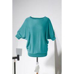 Swetry klasyczne damskie: Sweter bonprix zieleń morska