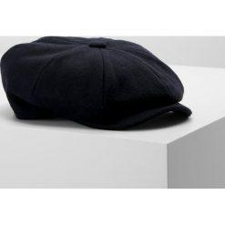 Hackett London BBOY MELTON  Czapka blue. Niebieskie czapki zimowe męskie Hackett London, z materiału. W wyprzedaży za 383,20 zł.