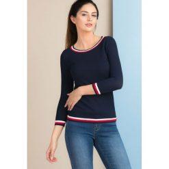Swetry klasyczne damskie: Sweter z trójbarwną lamówką