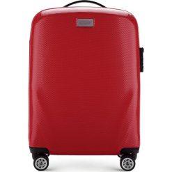 Walizka mała 56-3P-571-30. Czerwone walizki marki Wittchen, z gumy, małe. Za 329,00 zł.
