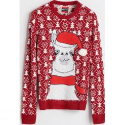 Sweter ze świątecznym motywem - Czerwony. Niebieskie swetry klasyczne męskie marki Cropp, l. Za 79,99 zł.