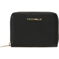 Portfele damskie: Coccinelle WALLET ZIP ARROUND SMALL Portfel noir