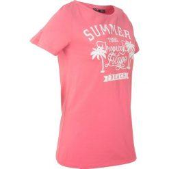 T-shirt z szerokim okrągłym dekoltem, krótki rękaw bonprix jasnoróżowy z nadrukiem. Czerwone t-shirty damskie marki bonprix, z nadrukiem, z okrągłym kołnierzem. Za 44,99 zł.