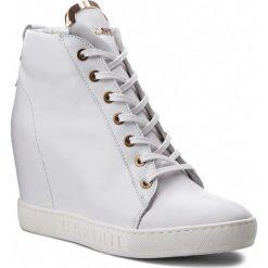 Sneakersy CARINII - B4078 G34-000-PSK-B88. Białe sneakersy damskie Carinii, z materiału. W wyprzedaży za 239,00 zł.