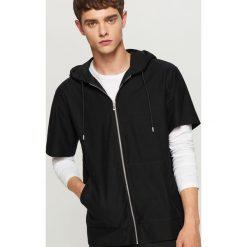 Bluza z krótkim rękawem - Czarny. Czarne bluzy męskie rozpinane marki Reserved, l, z krótkim rękawem, krótkie. W wyprzedaży za 39,99 zł.