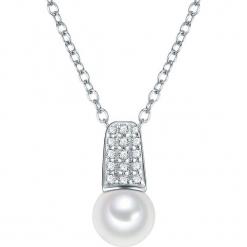 Srebsny naszyjnik w kolorze białym z cyrkoniami i perłami - dł. 40 cm. Białe naszyjniki damskie marki Sinsay. W wyprzedaży za 113,95 zł.