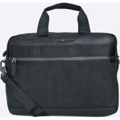 Tommy Hilfiger - Torebka. Czarne torby na laptopa marki TOMMY HILFIGER, w paski, z materiału, małe. W wyprzedaży za 419,90 zł.