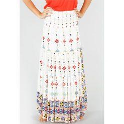Długie spódnice: Bardzo długa rozszerzana spódnica w etniczny wzór