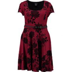 Sukienki hiszpanki: City Chic ORIENTAL FLOCK Sukienka z dżerseju ruby