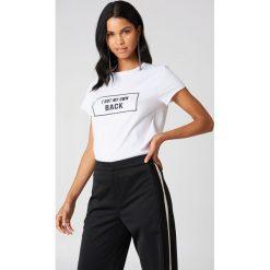 Rut&Circle T-shirt My Own Back - White. Zielone t-shirty damskie marki Rut&Circle, z dzianiny, z okrągłym kołnierzem. Za 80,95 zł.