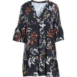 Czarna Sukienka Underrated. Czarne sukienki Born2be, na jesień, uniwersalny, z koszulowym kołnierzykiem, koszulowe. Za 79,99 zł.
