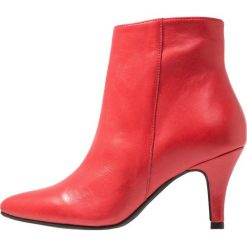 Lazamani Ankle boot fire. Czerwone botki damskie skórzane marki Lazamani. Za 549,00 zł.