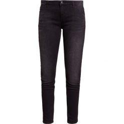 Emporio Armani Jeansy Slim Fit black washed. Czarne jeansy damskie marki Emporio Armani, z bawełny. W wyprzedaży za 443,40 zł.