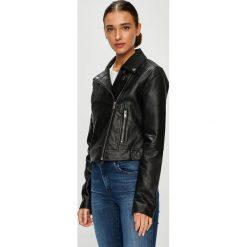 Pepe Jeans - Kurtka Jessie. Czarne kurtki damskie jeansowe Pepe Jeans, l. W wyprzedaży za 399,90 zł.