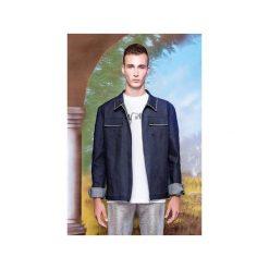 Kurtka denimowa z dekoracyjną biało-czerwoną lamówką. Niebieskie kurtki męskie jeansowe marki Reserved, l. Za 399,00 zł.