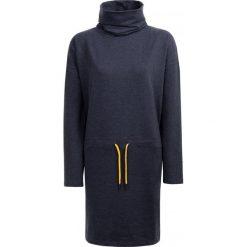 Sukienka damska SUDD601 - denim melanż - Outhorn. Czarne sukienki dzianinowe Outhorn, melanż. W wyprzedaży za 69,99 zł.