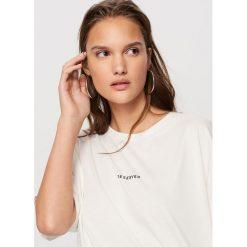 T-shirt Biały. Białe t-shirty damskie marki Adidas, m. Za 19,99 zł.