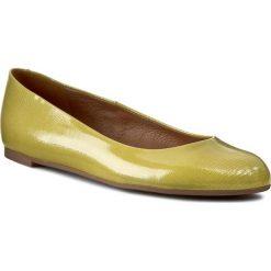 Baleriny GINO ROSSI - Rosa DAF605-279-H200-4100-0 Limonka 71. Żółte baleriny damskie lakierowane marki Gino Rossi, z lakierowanej skóry, na płaskiej podeszwie. W wyprzedaży za 189,00 zł.