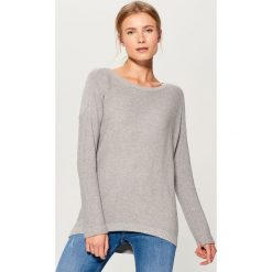Gładki sweter oversize - Szary. Szare swetry oversize damskie marki Mohito, l. Za 89,99 zł.