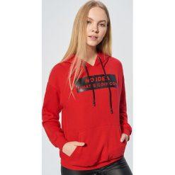 Bluza z nadrukiem - Czerwony. Czerwone bluzy z nadrukiem damskie marki Cropp, l. Za 99,99 zł.