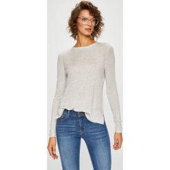 Vero Moda - Sweter. Szare swetry klasyczne damskie Vero Moda, l, z dzianiny, z okrągłym kołnierzem. Za 119,90 zł.