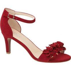 Sandały na obcasie 5th Avenue czerwone. Czerwone sandały damskie marki 5th Avenue, z aplikacjami, z materiału, na obcasie. Za 159,90 zł.