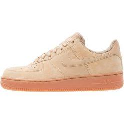 Tenisówki damskie: Nike Sportswear AIR FORCE 1 '07 SE Tenisówki i Trampki mushroom/med brown/ivory