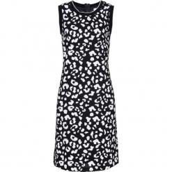 Sukienka ze ściągaczem w prążek bonprix czarno-biały z nadrukiem. Fioletowe długie sukienki marki bonprix, w paski, z dzianiny. Za 99,99 zł.