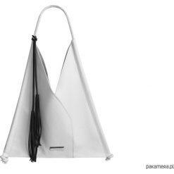 Skórzana torba na ramię. Białe torebki klasyczne damskie Pakamera, z bawełny. Za 275,00 zł.