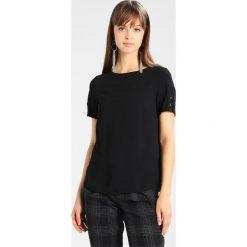 Bluzki asymetryczne: Dorothy Perkins EYELET PLAIN TEE Bluzka black