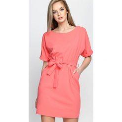 Sukienki: Koralowa Sukienka Evening Walk