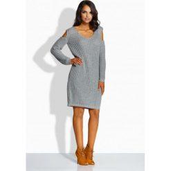 Fantazyjny sweterek sukienka z wycięciami na ramionach jasnoszary EMILY. Brązowe sukienki marki Lemoniade, z klasycznym kołnierzykiem. Za 119,00 zł.
