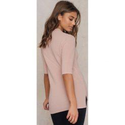 Filippa K T-shirt w prążki - Pink. Zielone t-shirty męskie marki Emilie Briting x NA-KD, l. Za 551,95 zł.