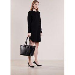 Polo Ralph Lauren Sukienka dzianinowa black. Czarne sukienki dzianinowe marki Polo Ralph Lauren, polo. W wyprzedaży za 419,60 zł.